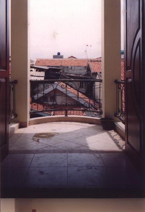 Tomang - 2002
